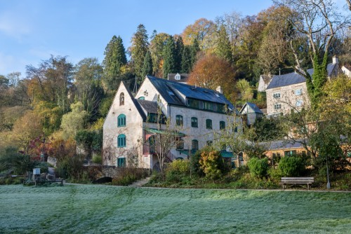 Ruskin Mill College is set within the stunning Horsley valley in Gloucestershire, just a 5-10 minutes from Nailsworth and Stroud.